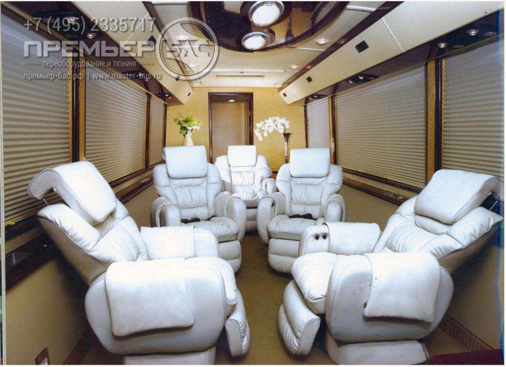 3Д визуализация большого автобуса Хендай Юниверс. Комфортный офис на колесах для встреч и делегаций важных персон.
