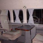 Установка столов и мебели в салоне